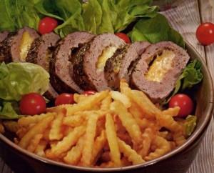 1272571172_rulet-iz-govjadiny-s-volnistym-kartofelem