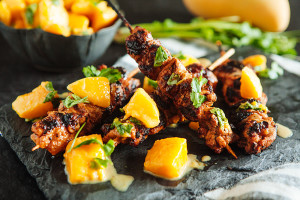Yogurt-Marinated-Chicken-Kebabs-with-Mango-Chutney4